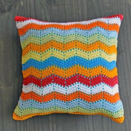 almofada-zigzag-azul-croche
