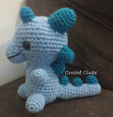 Dino T-Rex - receita de Miles of Crochet | Dinossauro de crochê ... | 451x434